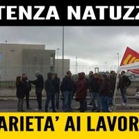 In appoggio alla protesta dei lavoratori Natuzzi.